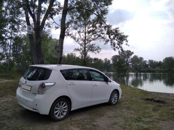 Toyota Verso, 2012 год, 660 000 руб.