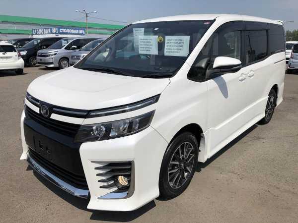 Toyota Voxy, 2016 год, 1 267 000 руб.