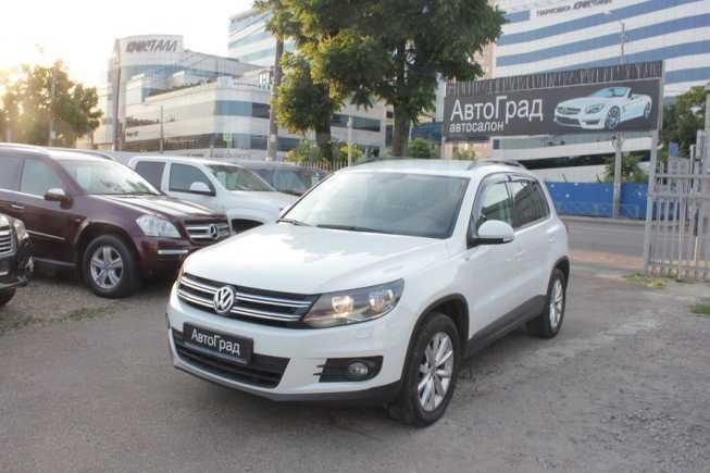 Volkswagen Tiguan, 2015 год, 1 185 000 руб.