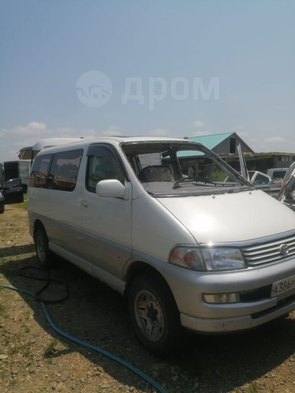 Toyota Regius, 1999 год, 200 000 руб.
