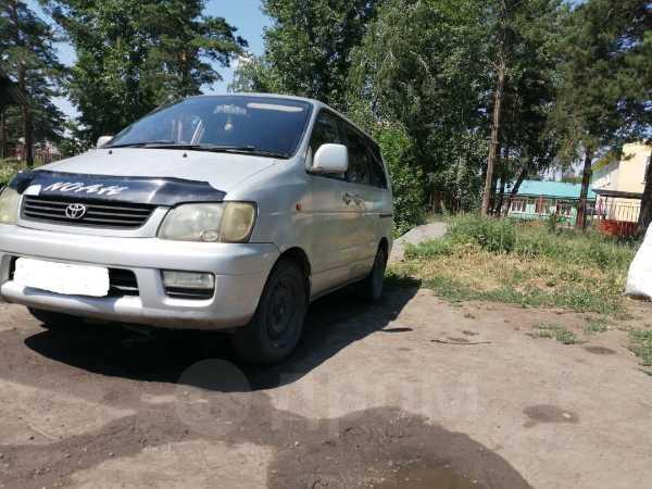 Toyota Town Ace Noah, 2001 год, 325 000 руб.