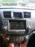 Toyota Highlander, 2013 год, 1 430 000 руб.
