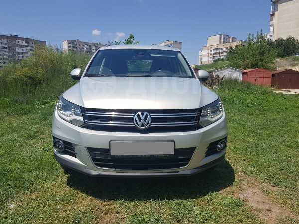 Volkswagen Tiguan, 2013 год, 745 000 руб.