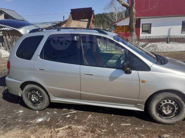 Toyota Corolla Spacio, 2000 год, 295 000 руб.