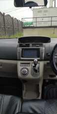 Toyota Passo Sette, 2010 год, 565 000 руб.
