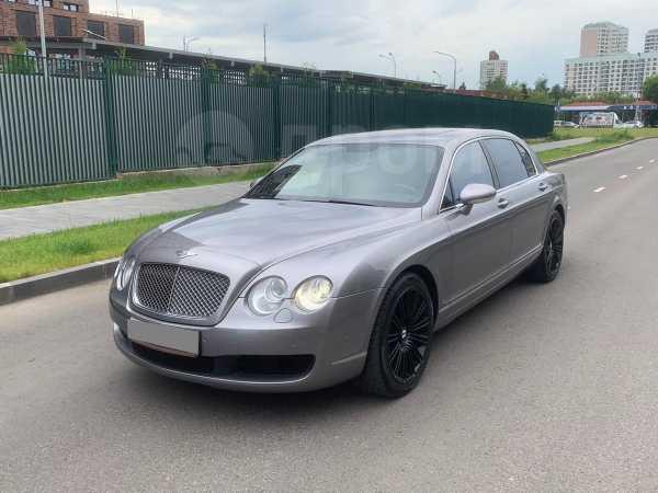 Bentley Flying Spur, 2006 год, 1 470 000 руб.