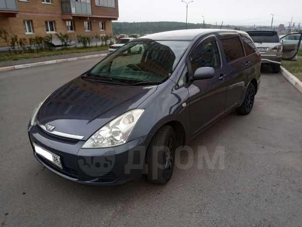 Toyota Wish, 2003 год, 518 000 руб.