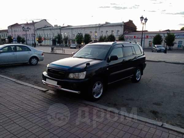 Toyota Kluger V, 2001 год, 596 000 руб.
