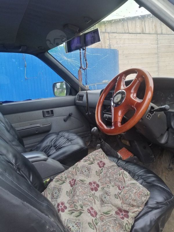 Toyota Hilux Pick Up, 1991 год, 320 000 руб.