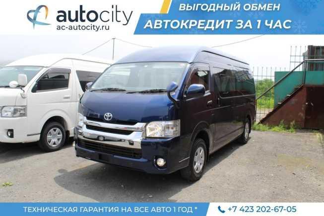 Toyota Hiace, 2015 год, 2 450 000 руб.
