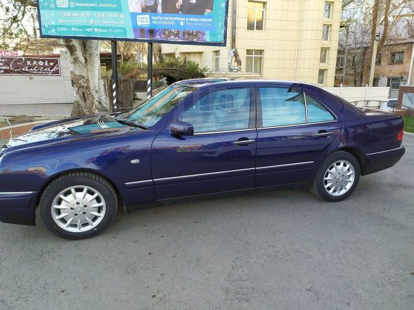 Mercedes-Benz E-Class, 1996 год, 280 000 руб.