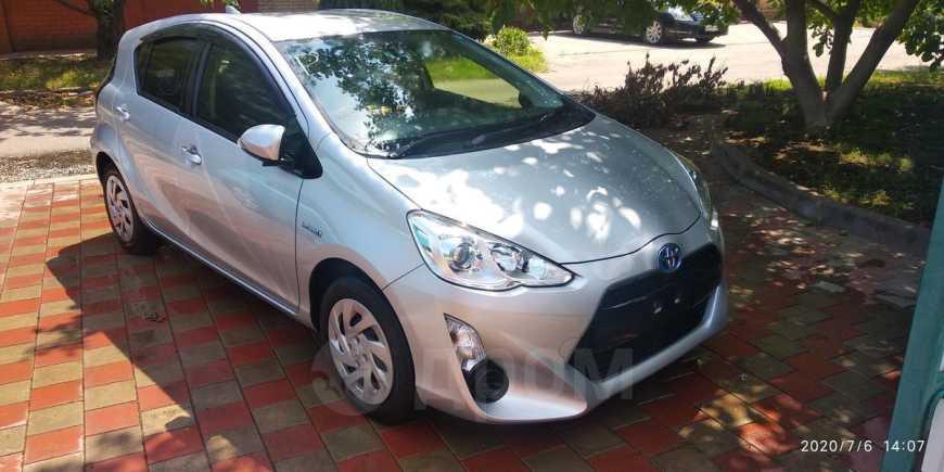 Toyota Aqua, 2016 год, 735 000 руб.