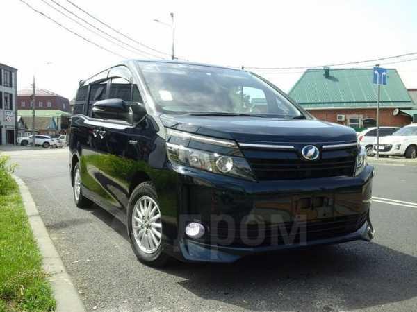 Toyota Noah, 2014 год, 1 290 000 руб.