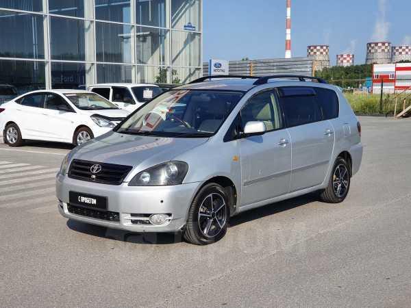 Toyota Ipsum, 2002 год, 389 000 руб.