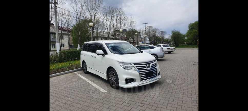 Nissan Elgrand, 2016 год, 1 650 000 руб.