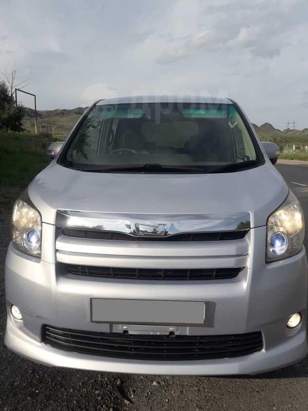 Toyota Noah, 2009 год, 780 000 руб.