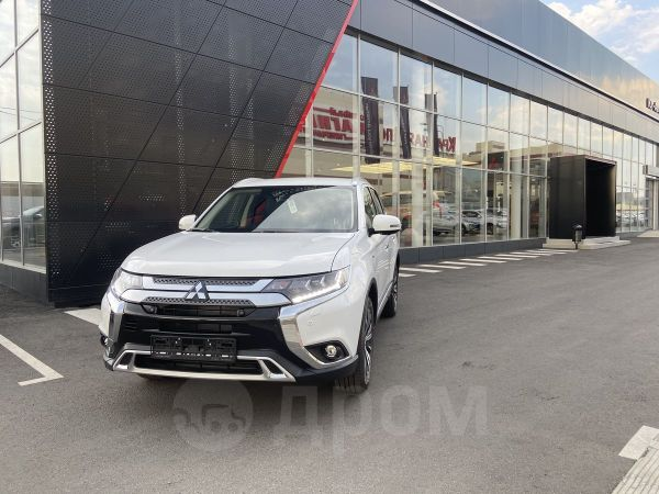 Mitsubishi Outlander, 2020 год, 2 600 000 руб.