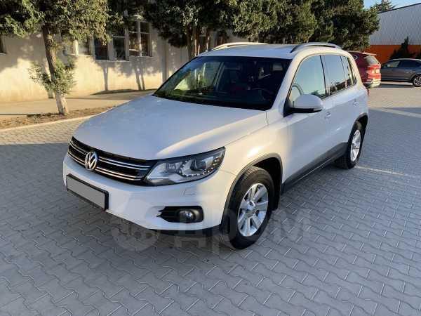 Volkswagen Tiguan, 2012 год, 847 000 руб.