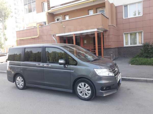 Honda Stepwgn, 2011 год, 880 000 руб.