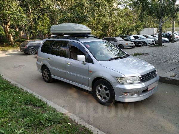 Mitsubishi Chariot Grandis, 2001 год, 270 000 руб.