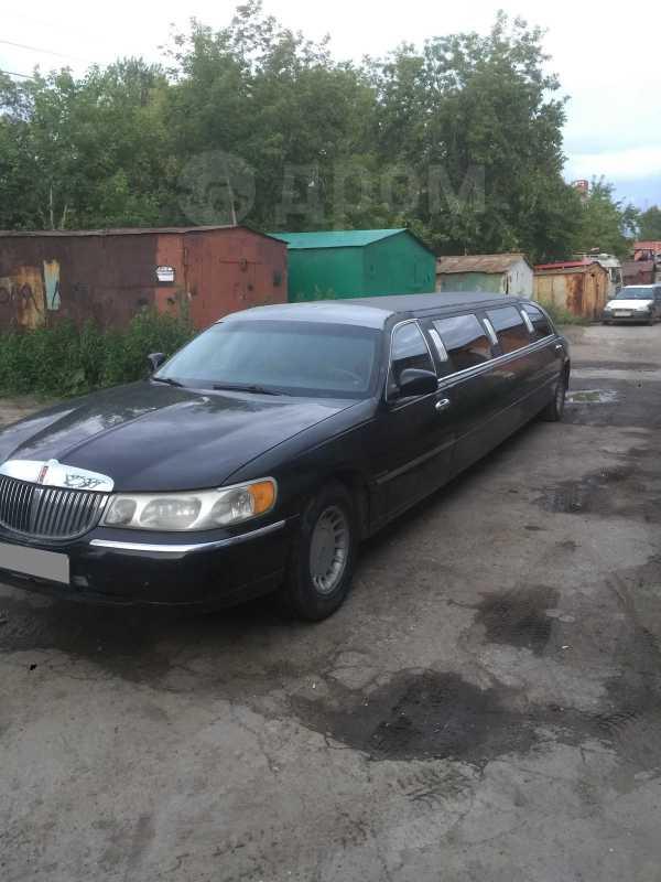 Lincoln Town Car, 2000 год, 300 000 руб.