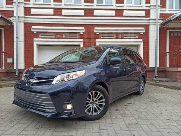 Toyota Sienna, 2018 год, 2 490 000 руб.
