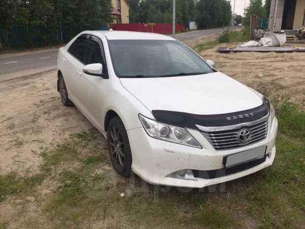 Toyota Camry, 2014 год, 990 000 руб.