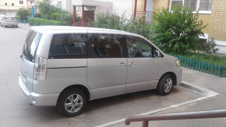 Toyota Noah, 2007 год, 730 000 руб.