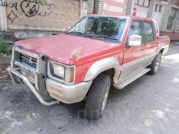 Mitsubishi Strada, 1992 год, 205 000 руб.