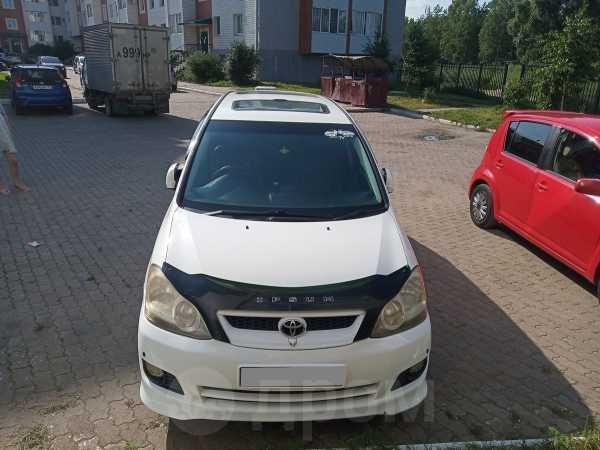 Toyota Ipsum, 2004 год, 565 000 руб.