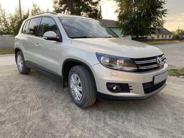 Volkswagen Tiguan, 2012 год, 660 000 руб.
