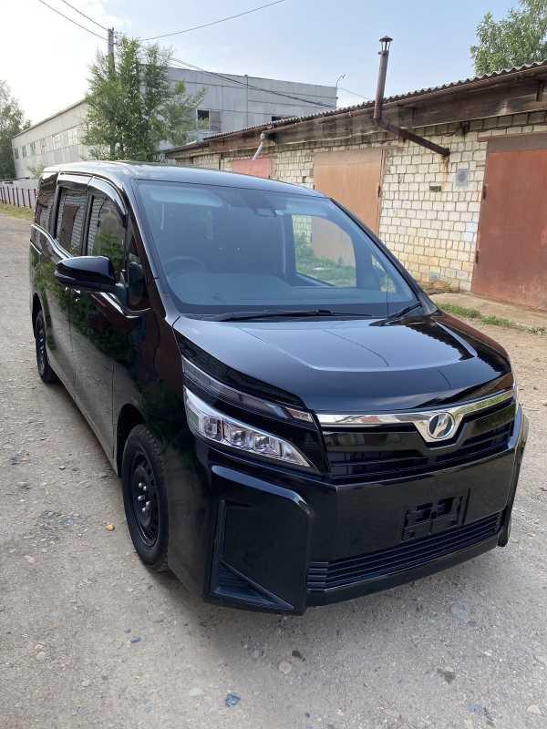 Toyota Voxy, 2018 год, 1 450 000 руб.