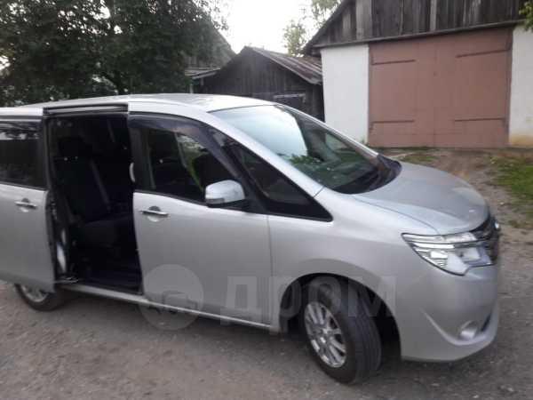 Nissan Serena, 2015 год, 895 000 руб.