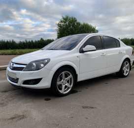 Орел Opel Astra 2010