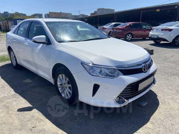 Toyota Camry, 2017 год, 960 000 руб.