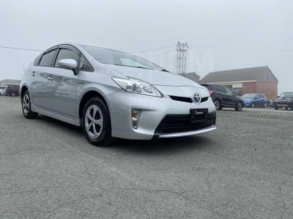 Toyota Prius, 2015 год, 755 000 руб.