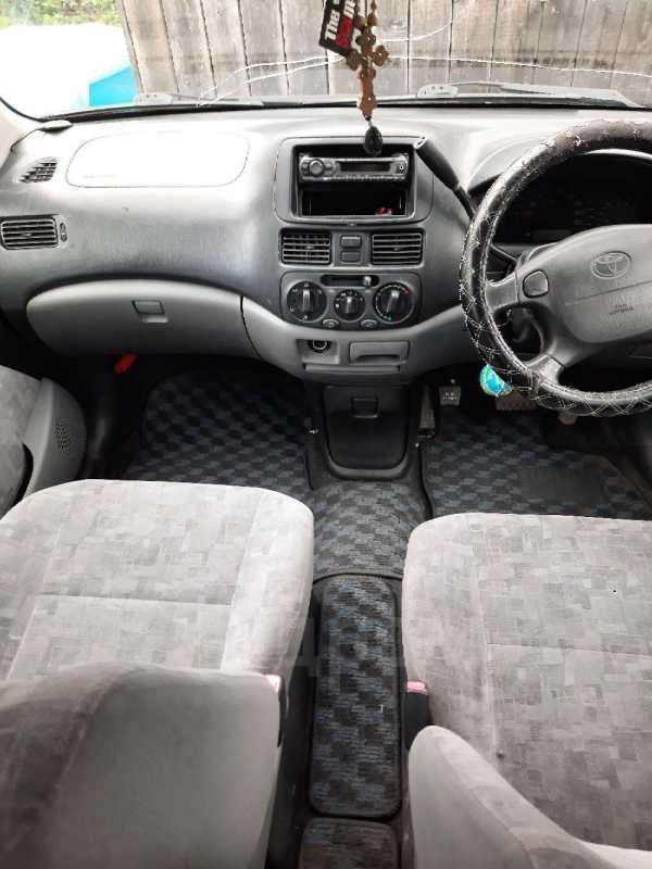 Toyota Raum, 2001 год, 220 000 руб.