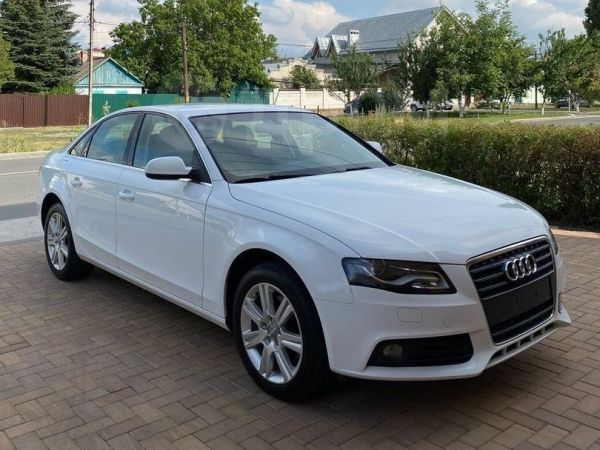Audi A4, 2011 год, 677 000 руб.