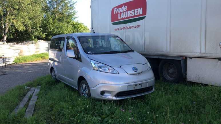 Nissan e-NV200, 2014 год, 999 000 руб.