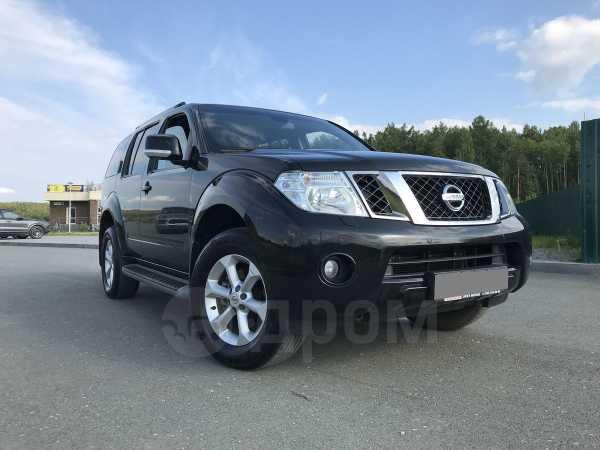 Nissan Pathfinder, 2011 год, 990 000 руб.