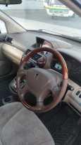 Mitsubishi Chariot Grandis, 2001 год, 335 000 руб.