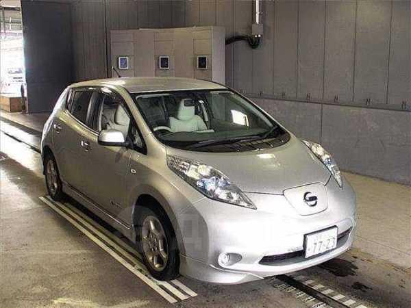 Nissan Leaf, 2011 год, 370 000 руб.