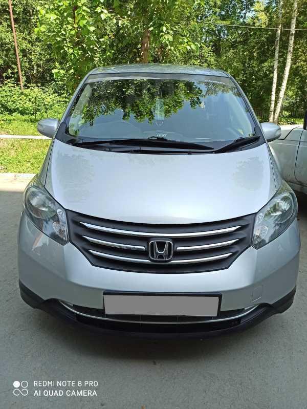 Honda Freed, 2009 год, 610 000 руб.