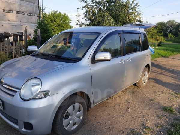Toyota Sienta, 2010 год, 480 000 руб.