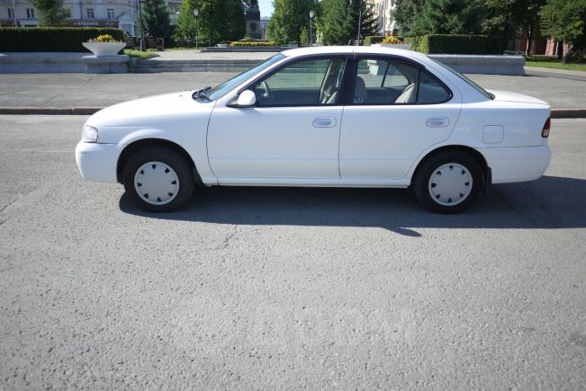 Nissan Sunny, 2002 год, 204 000 руб.