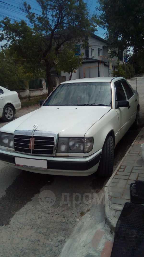 Mercedes-Benz Mercedes, 1992 год, 230 000 руб.