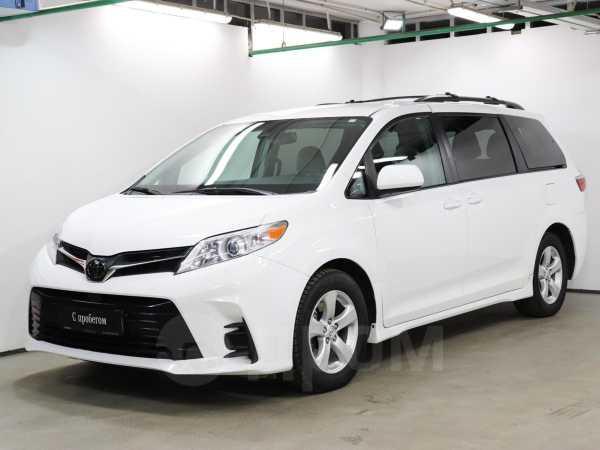 Toyota Sienna, 2018 год, 2 628 000 руб.