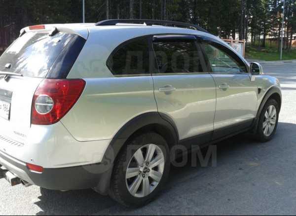 Chevrolet Captiva, 2010 год, 635 000 руб.