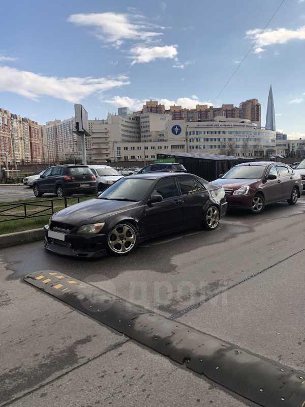 Toyota Altezza, 2000 год, 460 000 руб.