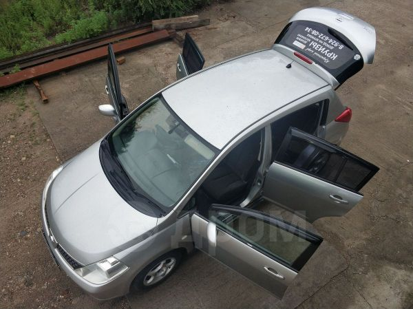 Nissan Tiida, 2004 год, 319 750 руб.